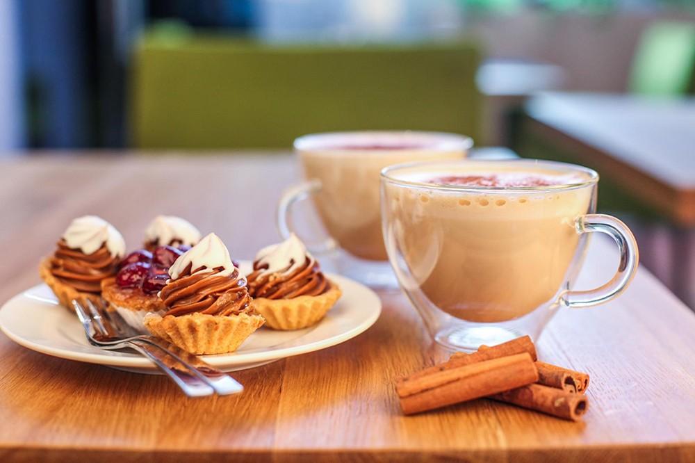 Jakie szklanki do latte będą najlepsze? Opinie, sklep internetowy Rudzica casa-mia.pl