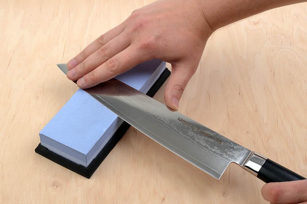 W jaki sposób prawidłowo ostrzyć noże kuchenne? Porady i wskazówki - sklep casa-mia.pl