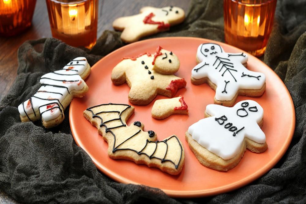 Domowe przysmaki stworzone dzięki foremkom do ciastek na Halloween