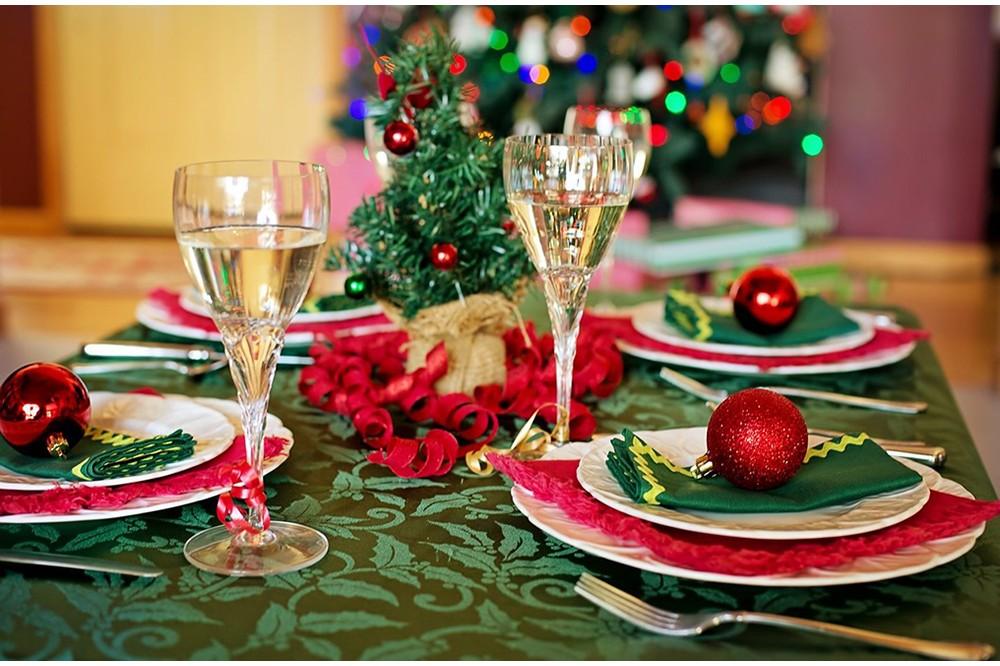 Talerze świąteczne- niezwykła ozdoba, wprowadzająca atmosferę świąt